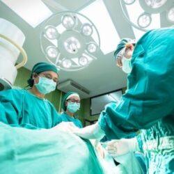 «Золоті руки» та подяка від сотень пацієнтів. У Рівному відзначили трьох хірургів (ФОТО)