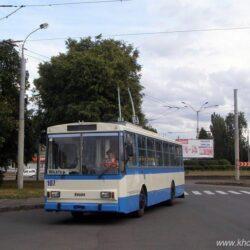 Водій тролейбуса спитав у поліцейських про маски і отримав протокол