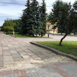 Майдан Незалежності у Рівному: замість радянських плит покладуть сучасну бруківку