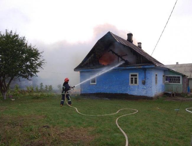 На Гощанщині під час пожеж у двох приватних господарствах виявили мертвими 2 людей